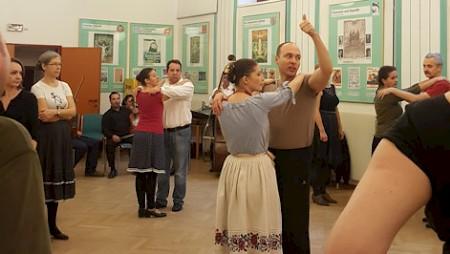 Szászcsávási táncház a Délibábnál