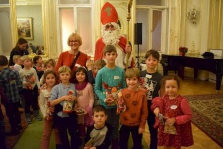 A bécsi magyar gyerekekhez is ellátogatott a Mikulás