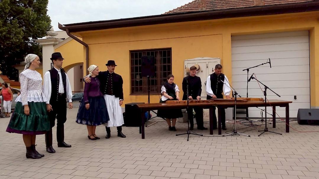 Csornai Levendula-nap a Délibáb Bécsi Magyar Kultúregyesület részvételével