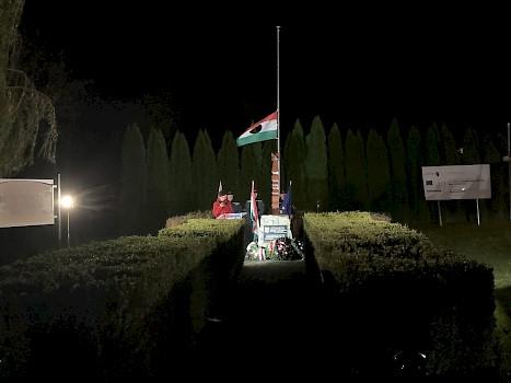 Ünnepi koszorúzás az 1956-os forradalom és szabadságharc emlékére Jánossomorján